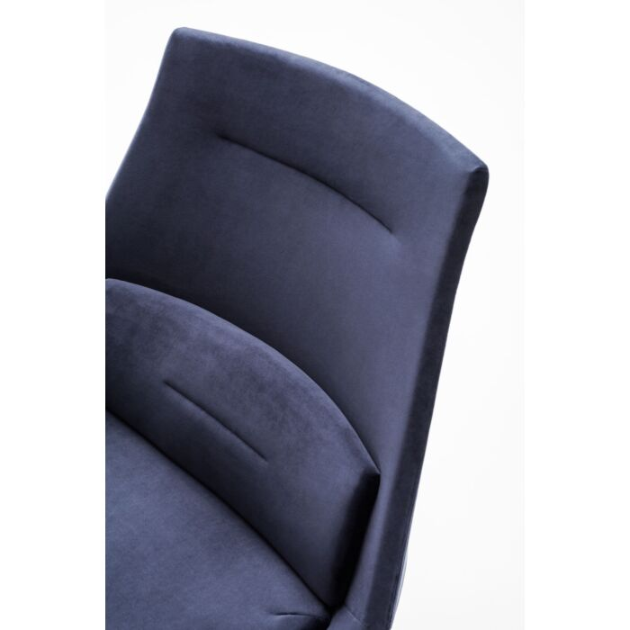 <strong>Frank armchair Fabric:</strong> River <strong>Color:</strong> Rv79
