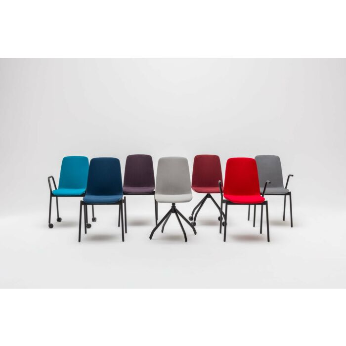 <strong>Ulti chair Fabric:</strong> Atlantic <strong>Color:</strong> A66087, A66057, A65037, A60141, A64092, A64093, A60142  <strong>Base color: </strong> M115