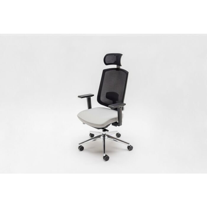 <strong>Sava chair Fabric: </strong> Runner <strong>Color: </strong> A60141, R60999 <strong>Base color: </strong> 3004