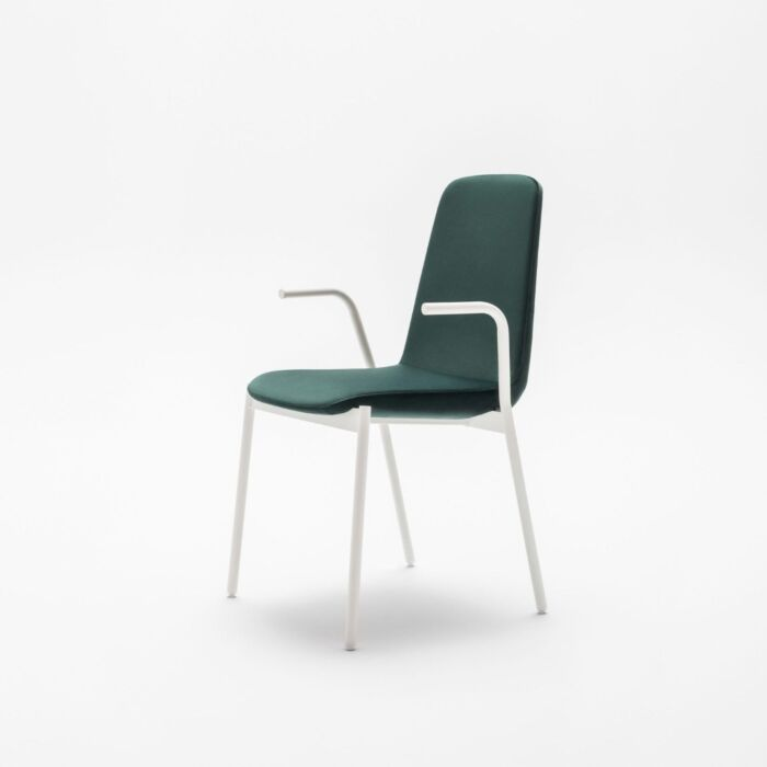 <strong>Ulti chair Fabric:</strong> Xtreme <strong>Color: </strong> Xr430  <strong>Base color: </strong> M015