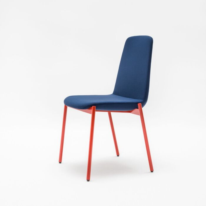<strong>Ulti chair Fabric:</strong> Xtreme <strong>Color:</strong> Xr026  <strong>Base color: </strong> M014