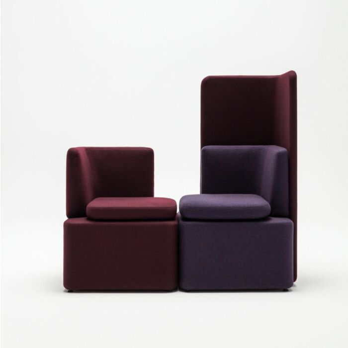 <strong>Kaiva sofa Fabric:</strong> Synergy <strong>Color: </strong> Lds88, Lds61