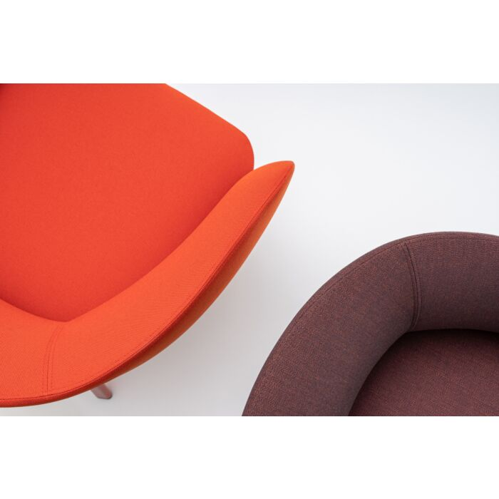 <strong>Grace armchair Fabric:</strong> Field, Atlas <strong>Color:</strong> FD662, AS681 <strong>Base color: </strong> M014, M013