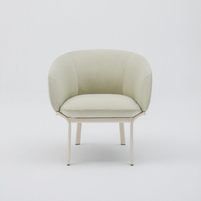 <strong>Grace armchair Fabric:</strong> Note <strong>Color:</strong> N68156 <strong>Base color: </strong> M016