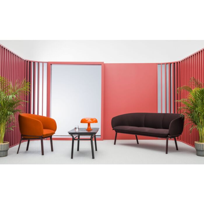 <strong>Grace sofa and armchair:</strong> Blazer, Synergy <strong>Color:</strong> Cuz39, Lds88 <strong>Base color: </strong> M013