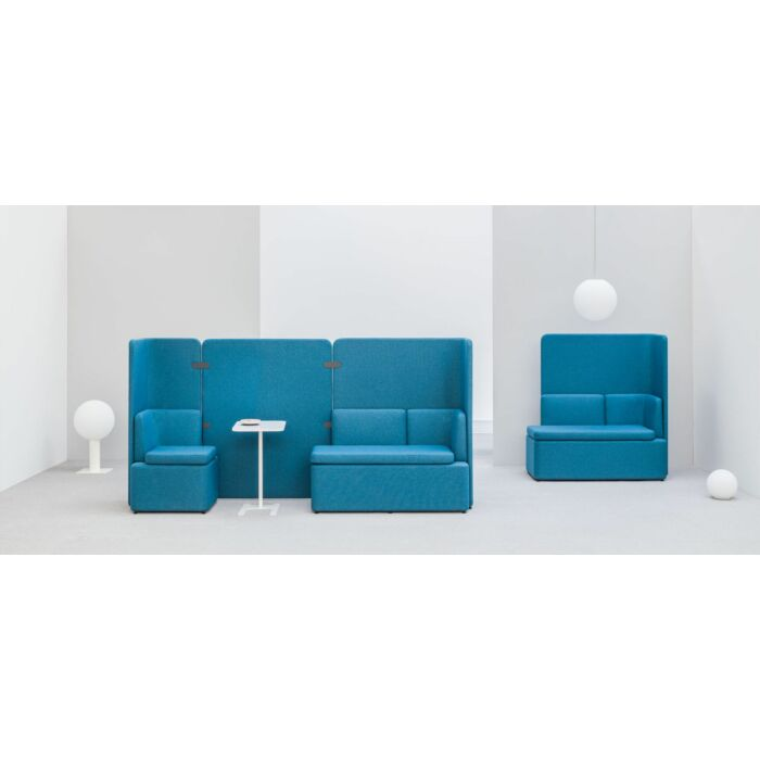 <strong>Kaiva sofa Fabric:</strong> Medley <strong>Color: </strong> M67053
