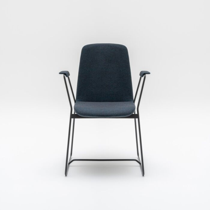 <strong>Ulti chair Fabric: </strong> Synergy <strong>Color: </strong> Lds60 <strong>Base color: </strong> M115